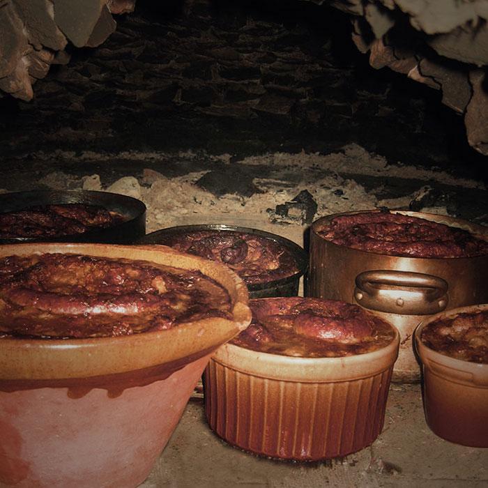 Cassoulets dans un four à pain